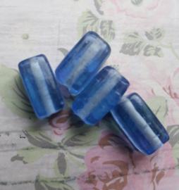 1x Mooie langwerpige glaskraal lichtblauw 12 x 7 mm gat: 1 mm