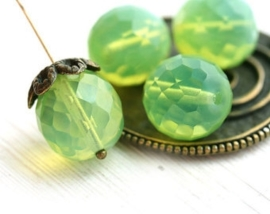 Per stuk Glaskraal facet kristal opal Green/Yellow prachtige glans 18mm