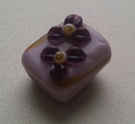 5 x glaskraal Italiaanse stijl lila/paars met opgewerkte bloem 20 mm