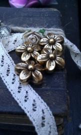4 x antiek gouden metallook kraal bloem 16 mm