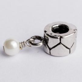 Be Charmed bedel  zilver met een rhodium laag (nikkelvrij) c.a. 29 x 8mm groot gat:4 mm