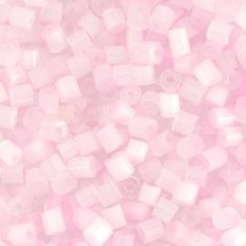20 gram Glaskralen Rocailles Special Bugles 6/0 (4mm) Licht roze silk