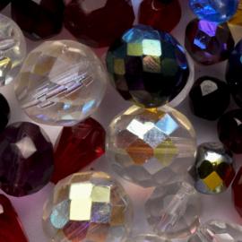 Mix zakje c.a. 100 gram ronde Tsjechië facet kristal kraal kleur: meerkleurig gat c.a.: 1mm