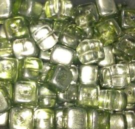 10 Stuks Glaskralen kubus lime groen met olieglans 7 x 9 mm