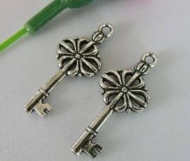 4 x Tibetaans zilveren sleutel 32mm