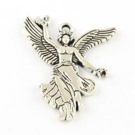 4 x Engel bedel Tibetaans Zilver 32 x 24 x 2mm oogje c.a. 1,5mm