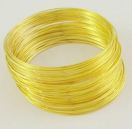 Memory Wire voor armbanden 55 mm goudkleurig 40 wendingen, draad dikte  0,6mm