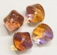 10 stuks Glaskraal grillig transparant bruin met paarse glans 10 mm