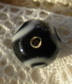 Prachtige handgemaakte glaskraal 13  x 12 mm