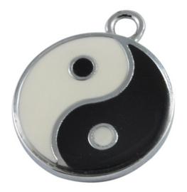 Emaille bedeltje, muntje yin yang 24mm oogje: 2mm
