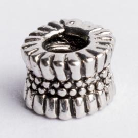 Be Charmed kraal zilver met een rhodium laag (nikkelvrij) c.a.10x 6mm groot gat: 4mm