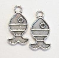 2x Zilverkleurige metalen bedel visje 21 mm