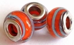 Per stuk Glaskraal European-style oranje/blauw gestreept 14 mm
