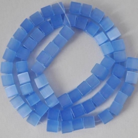 10  x  Glaskraal kubus cate-eye 8mm Hemels blauw