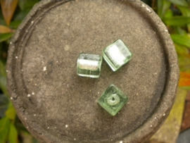 Mooie kubus glaskraal 12mm licht groen