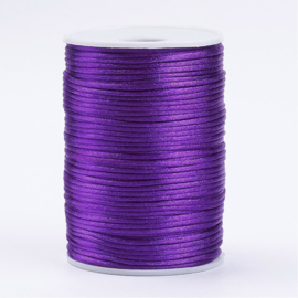 1 meter satijnkoord van ca. 2 mm dik violet