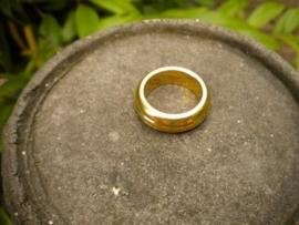 2x Zwaar metalen ring goudkleur 23 x 6 mm