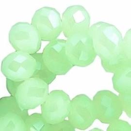 15 x Topfacet 8x6 mm Chrysolite Light Green