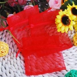 c.a. 100 stuks rood organza zakjes 5 x 7 cm