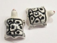 Per stuk Keramiek kraal Schildpadje wit/zwart 23 mm
