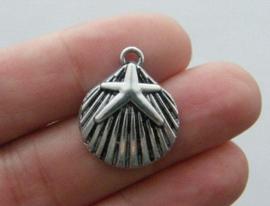 4 x  tibetaans zilveren bedeltje van een schelp 15 x 18mm, gat: 1-3mm