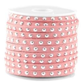 20 cm Imi. Suède leer 5mm met studs zilver Strawberry ice pink