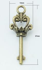 4 x Tibetaans zilveren sleutel  geel koper18 x 37 x 8,5mm gat: 2,5mm