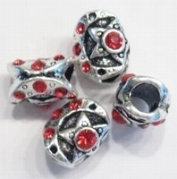 Per stuk Metalen European Jewelry kraal bewerkt met rode kristal 12 mm