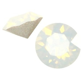 2 x Swarovski Elements SS24 puntsteen (5.2mm) White opal