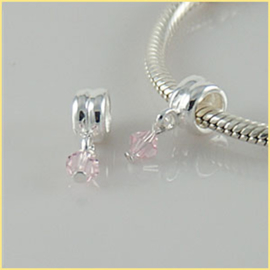 Bead steentje roze Materiaal: 925 Sterling Zilver