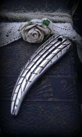 10x Antiek zilveren kunststof hanger Haaientand 50 mm