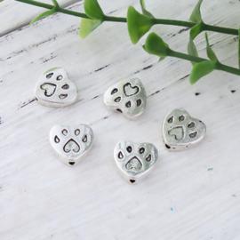 4 x  DQ metalen kraal van een hondenpoot 12 x 11mm gat 1,3mm