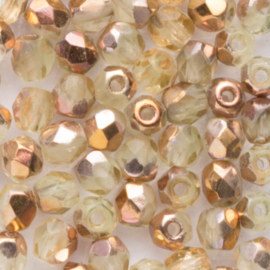 30  x ronde Tsjechië facet kristal kraal afm: 4mm Kleur: ab bruin transparant gat c.a.: 1mm