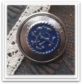 Per stuk Mooie Metalen zilveren drukker bewerkt met blauwe epoxy 18 mm