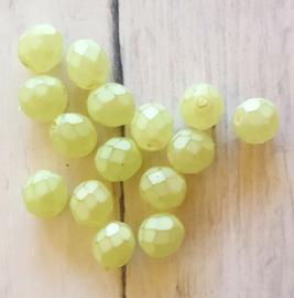 10 Stuks glaskraal facet mat licht groen 8 mm