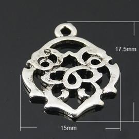 2 stuks  tibetaans zilveren tribal bedel 17,5 x 15 x 1mm oogje: 1mm