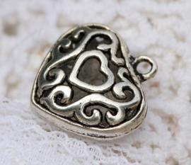 2 x  3D Tibetaans zilveren hart 20 x 19 x 8mm gat: 2mm erg mooi! Bali