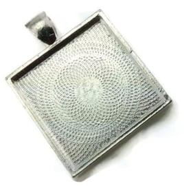 Houder D:  Cabochon-Camée houder Tibetaans Zilver vierkant Binnenzijde c.a 25 x 25mm