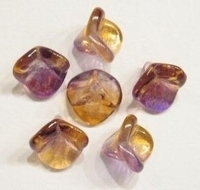 10 x Glaskraal Kelkje transparant bruin met paarse glans 11 mm