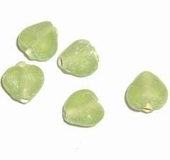 Stunt: 30 stuks glaskralen hart 7 x 8 mm groen
