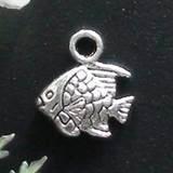 10 stuks Tibetaans zilveren bedeltje van een vis 11 x 9mm 3D