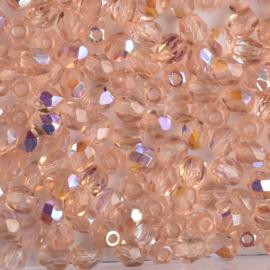 30  x ronde Tsjechië facet kristal kraal afm: 4mm Kleur: ab zalm gat c.a.: 1mm