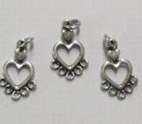 2 x  Antiek zilveren metalen hanger hartje met oogjes 18 mm