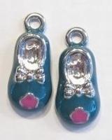 Per stuk metalen hanger baby-schoentje met grijs-blauwe epoxy 24 mm