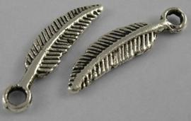 10 x tibetaans zilveren bedel van een blaadje 5 x 21 x 2mm Gat: 2mm