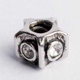 Be Charmed kraal zilver met een rhodium laag (nikkelvrij) c.a.11x 8mm groot gat: 4mm