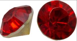 5  x Puntsteen half rond preciosa voor puntsteen  setting 7 x 5mm rood