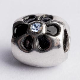 Be Charmed kraal zilver met een rhodium laag (nikkelvrij) c.a.9x 9mm groot gat: 4mm