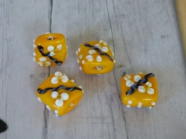 HQ Glass Beads Flowers Square