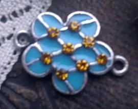 Per stuk Zilverkleurig metalen tussenzetsel bloem blauw epoxy met strass 23 mm